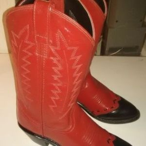 New pair of Old West Womens size 6 cowboy boots